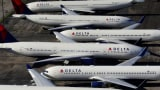FAA warns of possible engine shutdowns in safety directive on older Boeing 737 jets