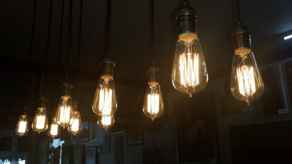 'Edison' bulb battle heats up with UC Santa Barbara targeting GE, IKEA – Daily News