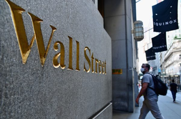 Dow futures fall 150 points as Wall Street grapples with rising Covid-19 cases, earnings