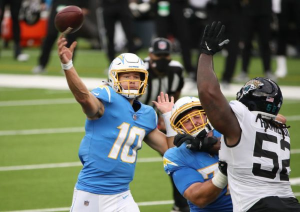 Herbert Gets First Win, as He Leads Chargers to 39-29 Victory Over Jaguars – NBC Los Angeles