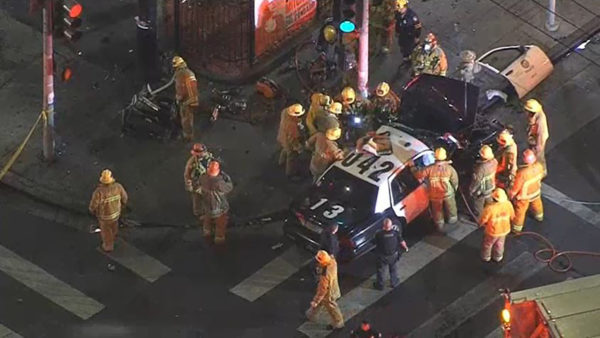 LAPD Officer Trapped in Wreckage of 2-Car Crash in South LA – NBC Los Angeles