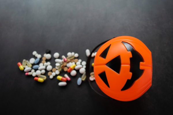 Simi Valley Mother Finds Oxycodone, Xanax in Her Children's Halloween Candy – NBC Los Angeles