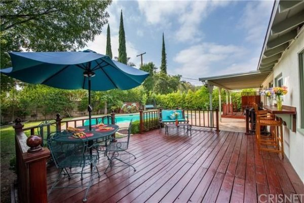 Brad and Stacy Hamilton's House From 'Fast Times at Ridgemont High' Is on the Market – NBC Los Angeles
