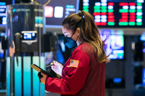 Stock futures start month slightly lower after major indexes saw gains in May