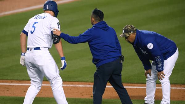 Dodgers Shortstop Fractures Hand – NBC Los Angeles