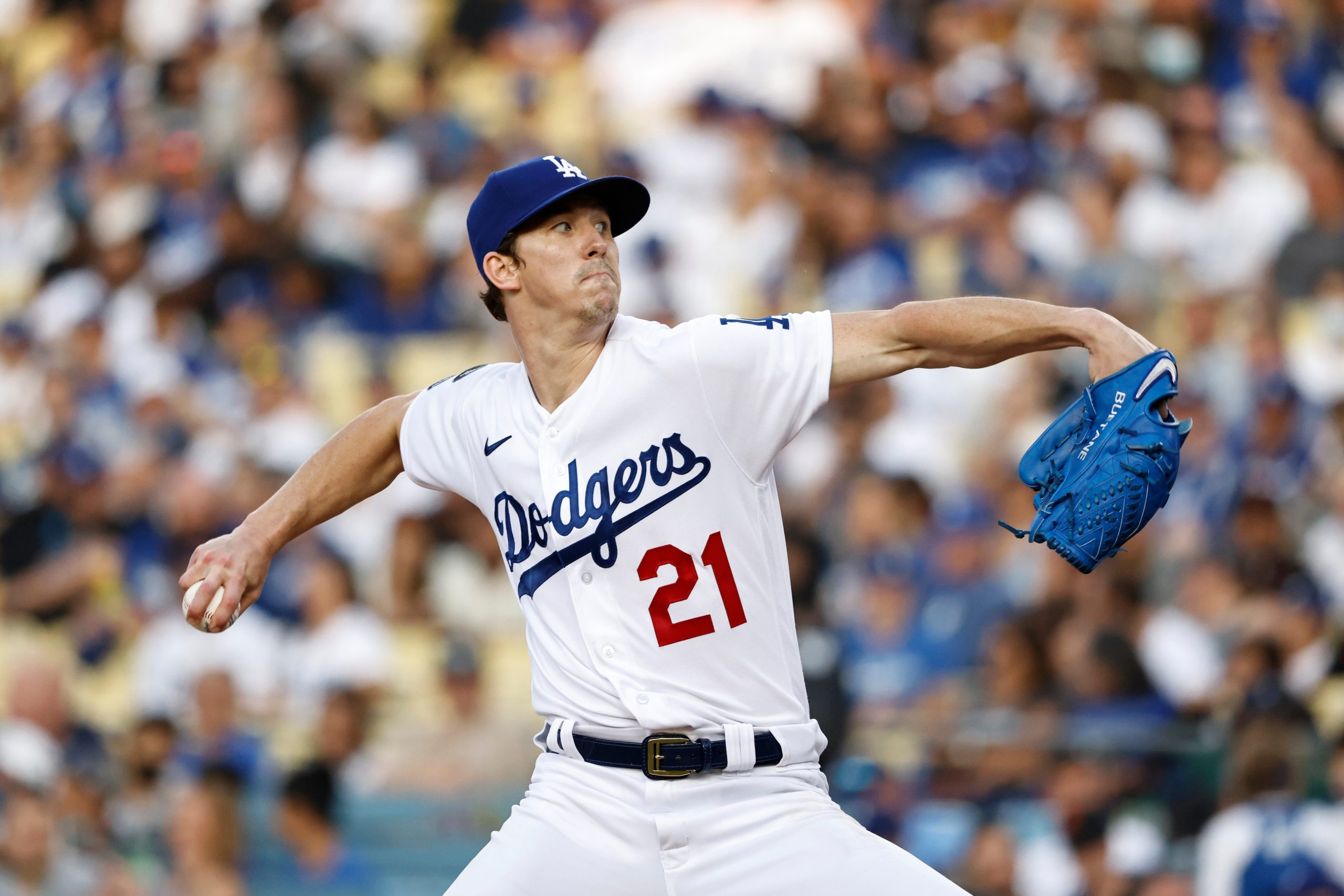 Walker Buehler Deals, Surging Dodgers Sweep Giants With 3-1 Victory – NBC Los Angeles