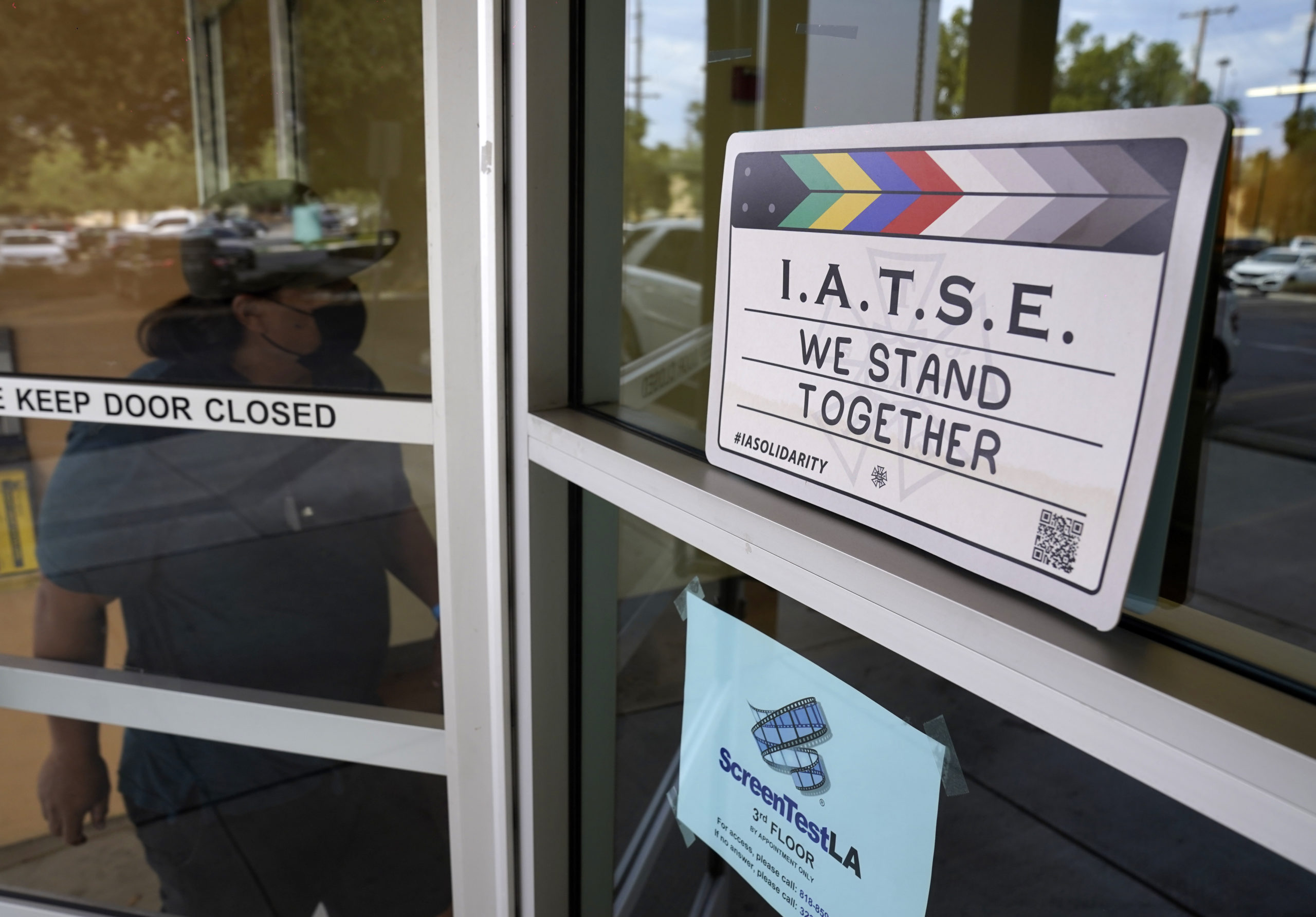 'Deal in Sight' as Monday Strike Deadline Looms for IATSE – NBC Los Angeles