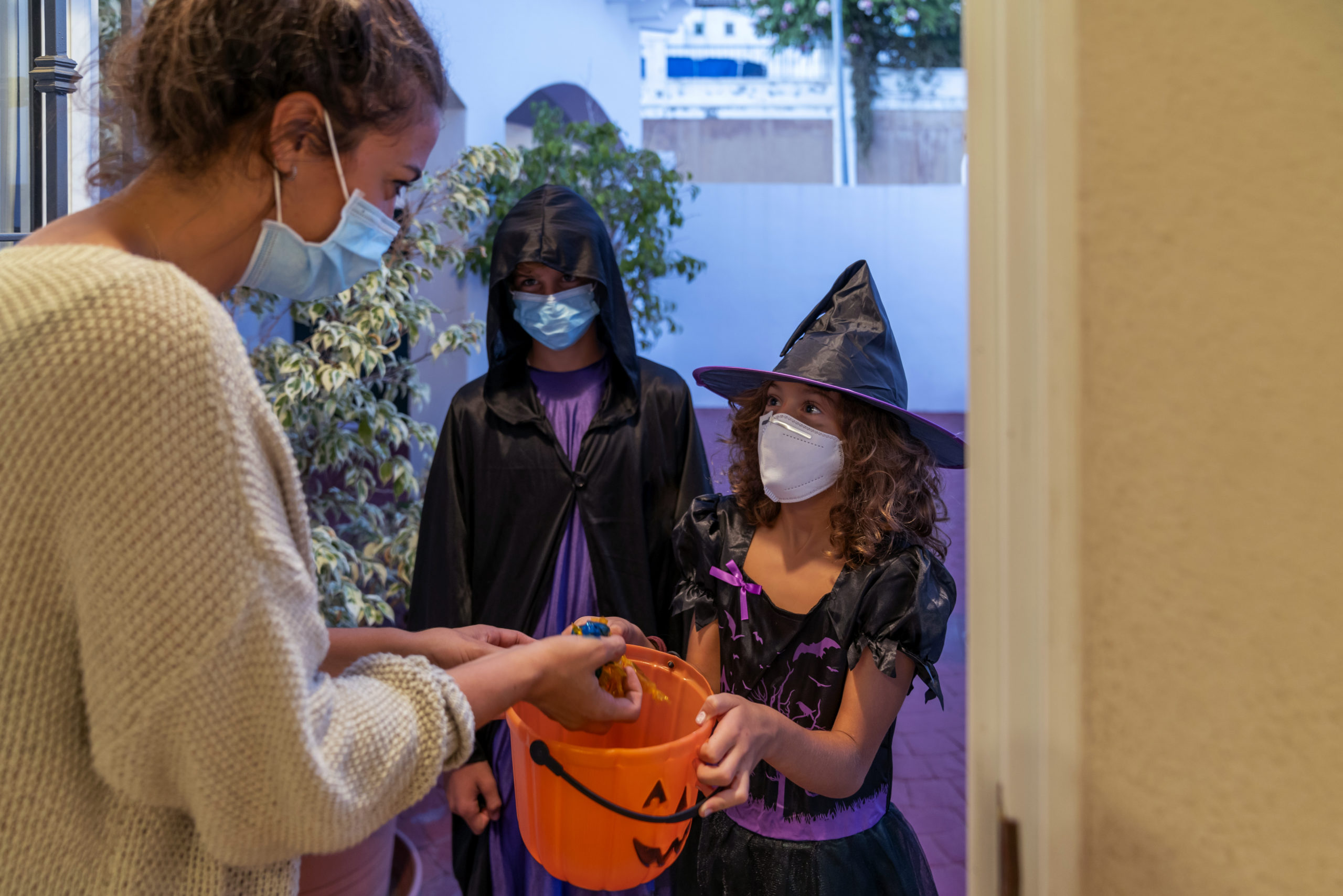 LA County Urges Public to Avoid High-Risk Halloween Activities – NBC Los Angeles